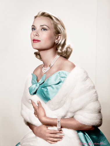 Grace Kelly wallpaper with a pelliccia cappotto titled Grace Kelly
