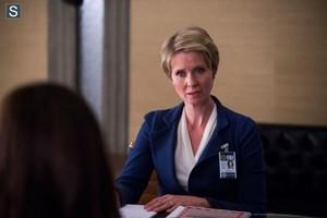 Hannibal - Season 2 - First Look at Cynthia Nixon