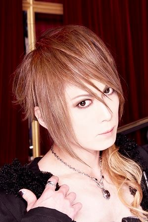 Jupiter (Band) 壁紙 containing a portrait and attractiveness titled Yuki Drums