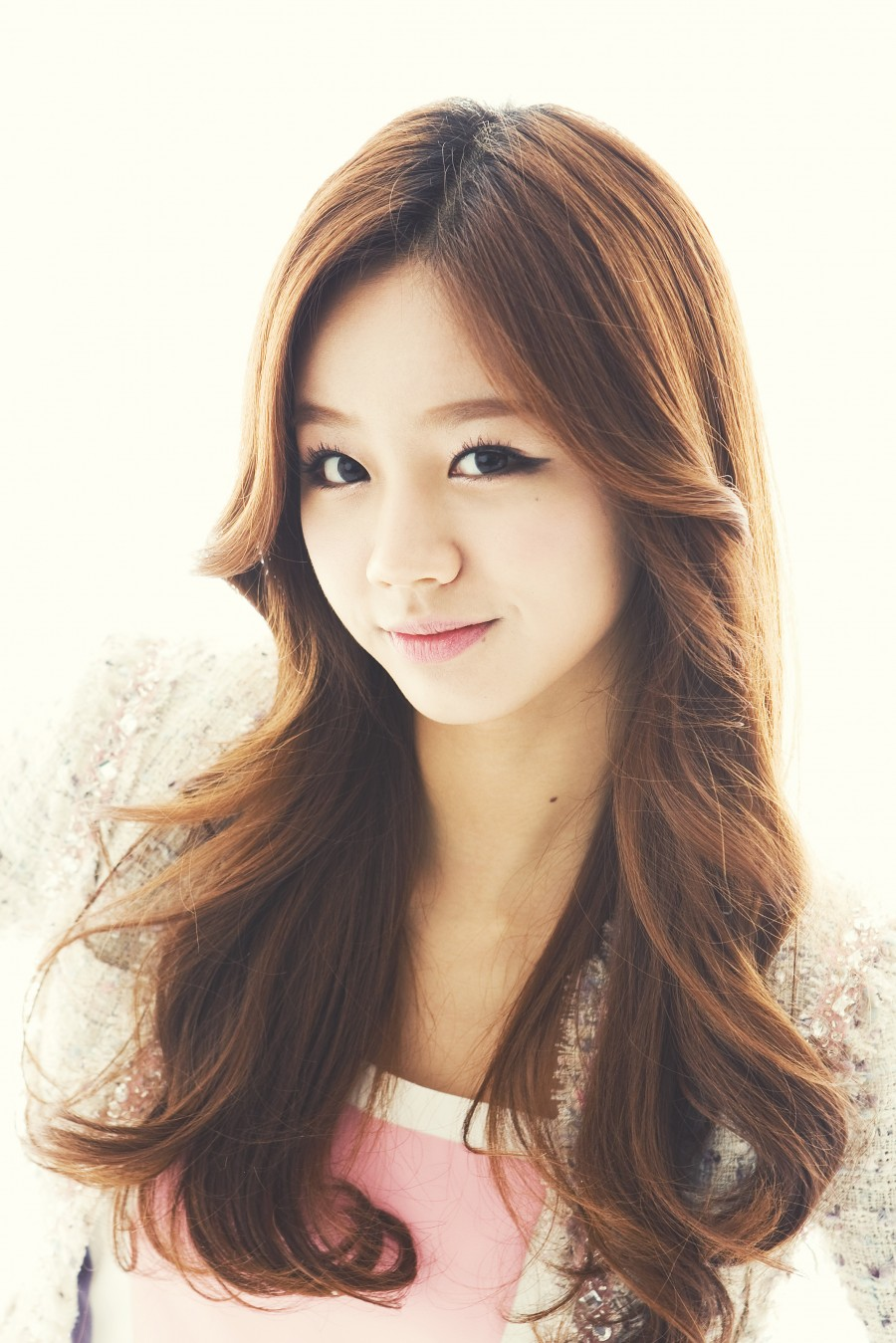 Hyeri Girl 39 S Day Kpop 94 Line Photo 36664882 Fanpop