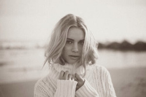 New Photoshoot of Lucy Fry 의해 Alexa Miller