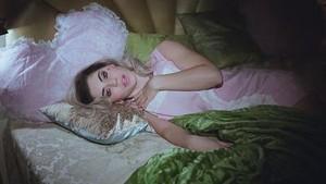 marina and The Diamonds - Primadonna - música Video Screencaps
