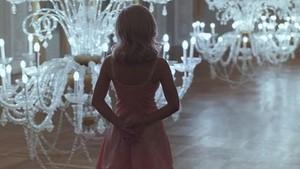 मरीना and The Diamonds - Primadonna - संगीत Video Screencaps