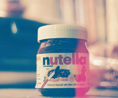 Nutella Hintergrund possibly with a multivitamin and a marshmallow fluff called nutella------------♥