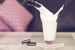 oreo an milk------------♥