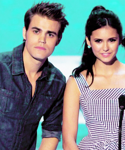 Paul Wesley and Nina Dobrev پیپر وال probably containing a portrait titled Paul and Nina