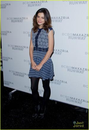 Phoebe Tonkin Hits Up BCBGMaxazria Fashion Zeigen