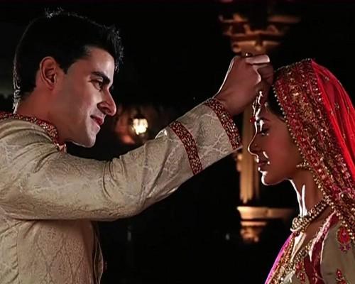Saraswatichandra (TV series) karatasi la kupamba ukuta entitled samud marriage