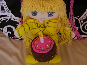 shakita and cake--------------♥