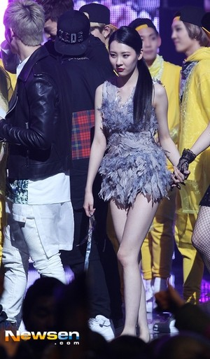 Sunmi's comeback stage