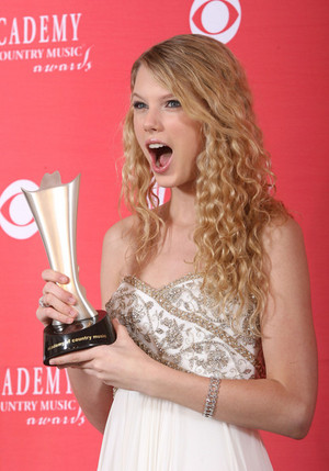 Taylor veloce, swift With Awards <3