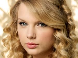 Taylor veloce, swift Close-Up Image <3