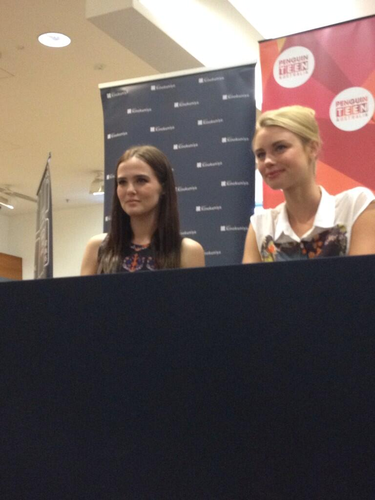 hyland sisters meet and greet