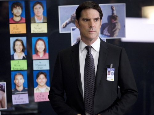 Thomas Gibson wallpaper with a business suit, a suit, and a two piece titled Thomas Gibson