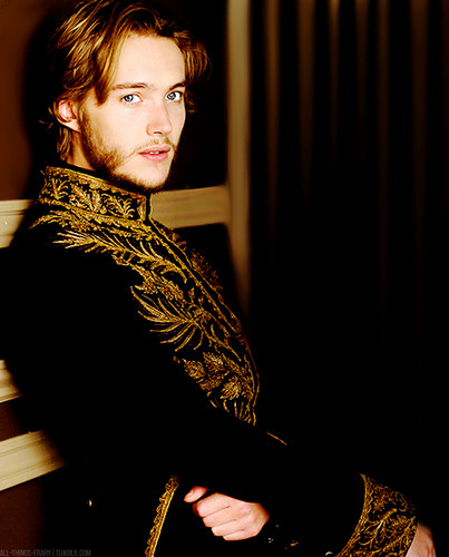 Toby Regbo Hintergrund entitled New Francis promo