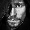 Tom Hiddleston প্রতীকী