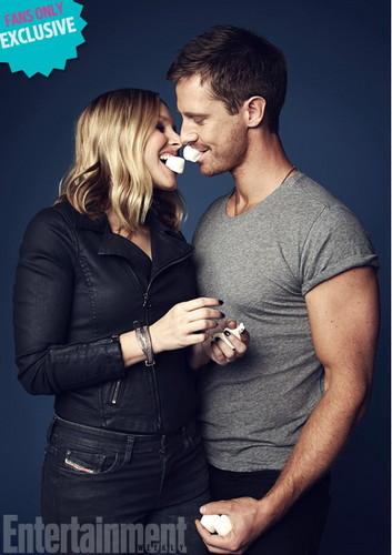 Veronica Mars দেওয়ালপত্র titled Veronica Mars Exclusive: Kristen ঘণ্টা and Jason Dohring Get Steamy!