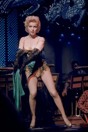 marilyn monroe wallpaper possibly with a leotard, tights, and a konser titled bus stop-1956