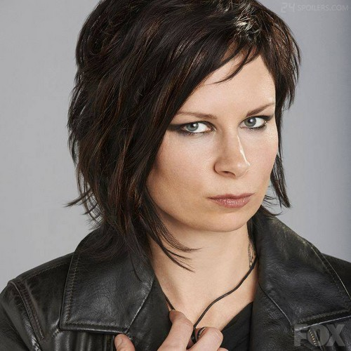 24 wallpaper with a portrait entitled Mary Lynn Rajskub as Chloe O'Brian - 24:LAD