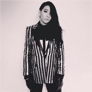 """CL's Instagram Update: """"byeXIII"""" (131215)"""