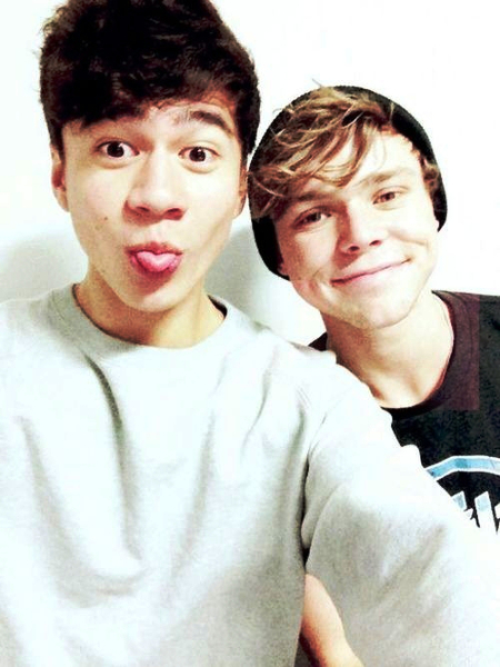 Calum and Ashton - 5 Seconds of Summer Photo (36726393 ...