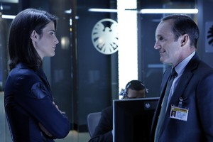 Agent Coulson and Agent bukit, hill