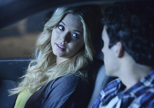 """Alison DeLaurentis wallpaper called Pretty Little Liars season finale 4.24 """"A is for Answers"""" - promotional photos"""