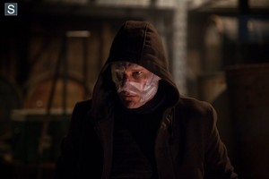 Almost Human - Episode 1.12 - Beholder - Promotional 사진