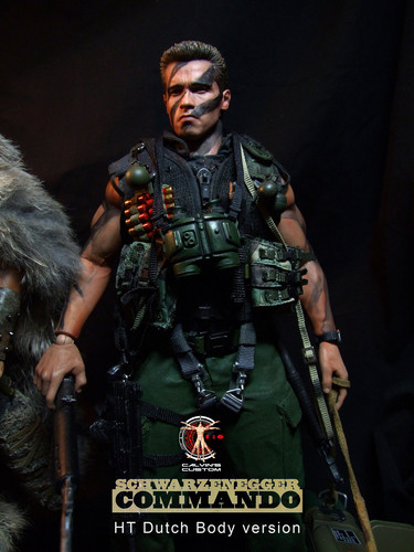 Arnold Schwarzenegger Hintergrund called Calvin's Custom one sixth scale Commando