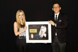 oro Certification for ''Avril Lavigne'', Korea (Feb 19)