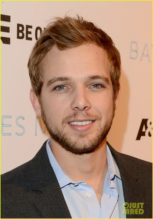 Max Thieriot Celebrate Bates Motel Season 2