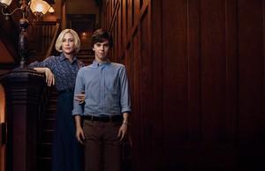 Season 2 promotional picha