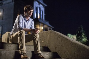 BATES MOTEL Episode 2.2 fotos Shadow Of A Doubt