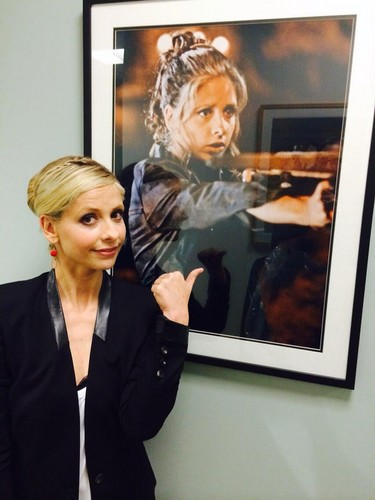 Buffy Summers hình nền with a business suit and a well dressed person called Sarah With a Buffy bức ảnh