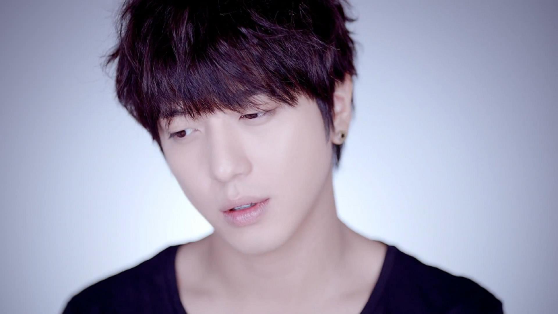 Jeong Yong Hwa C N Blue Code Name Blue 壁紙 ファンポップ