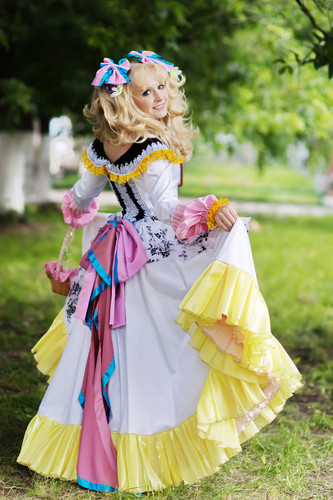 Candy Candy karatasi la kupamba ukuta probably with a bouquet entitled Candy Candy cosplay