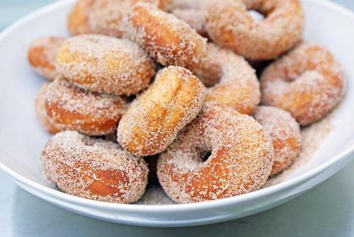 Пончики с сахарной пудрой рецепт с фото