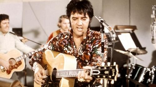 Elvis Presley wallpaper with a guitarist titled Elvis In The Recording Studio