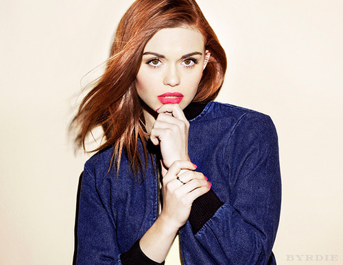 Holland Roden wallpaper called Holland for Byrdie