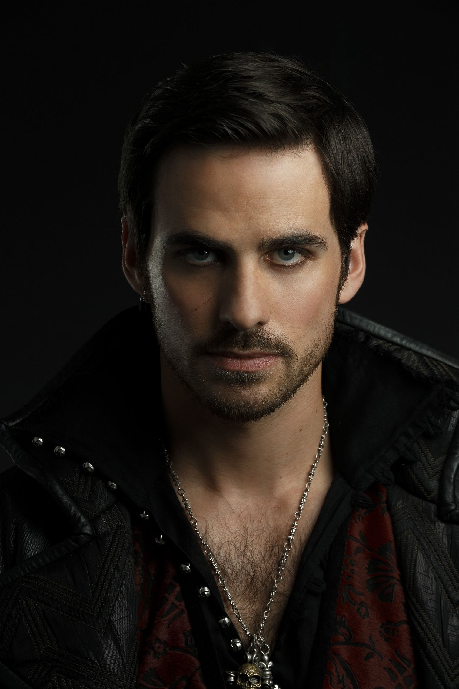 Colin O'Donoghue as Captain Hook ✨