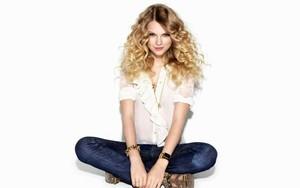 Taylor swift!!
