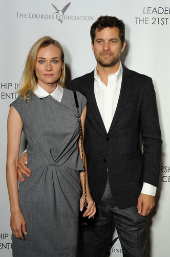 Joshua Jackson wallpaper with a business suit, a suit, and a well dressed person titled Q&A with Ann curry in LA