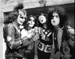 halik ~Creem litrato shoot 1974