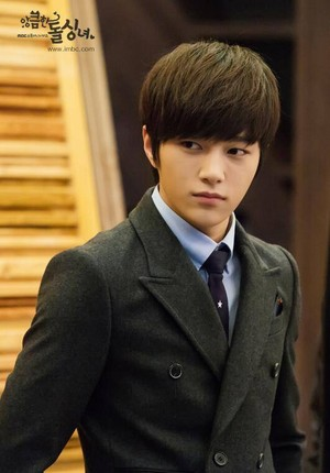 L for 'Cunning Single Lady'