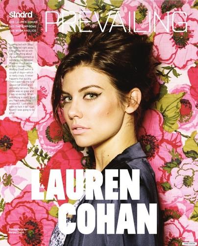 Lauren Cohan achtergrond with a bouquet called Lauren Cohan Photoshoot 2014