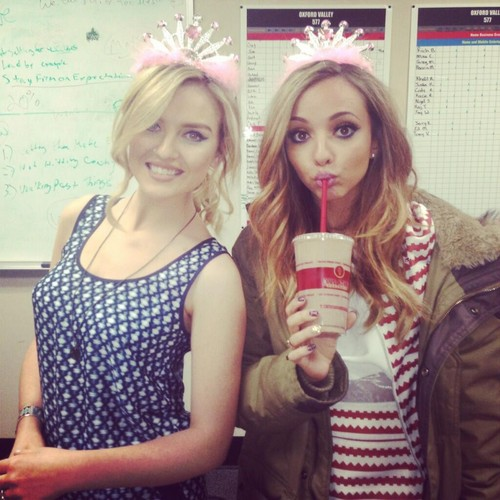 little mix fondo de pantalla called Perrie and Jade ❤❤
