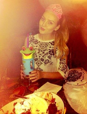 Perrie last night at Rain Forest Café