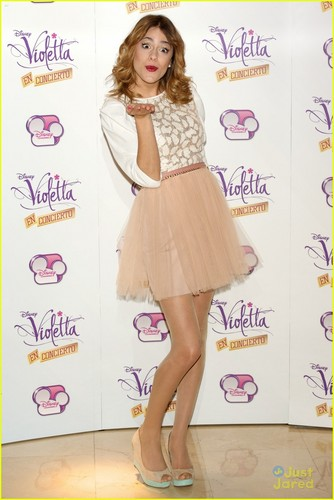 Martina as Violetta - martina-stoessel Photo