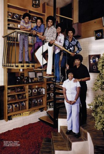 At tahanan With The Jackson Family
