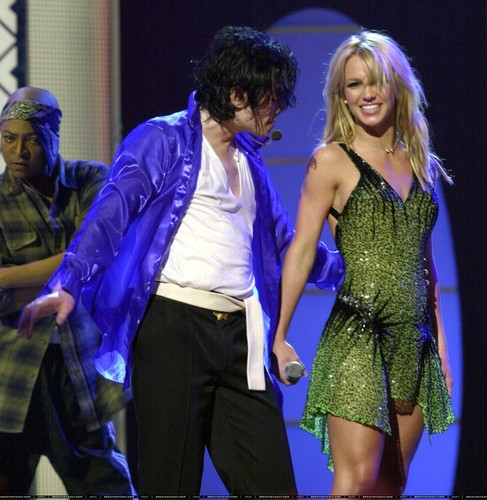 Michael Jackson wallpaper entitled michael jackson and britney spears